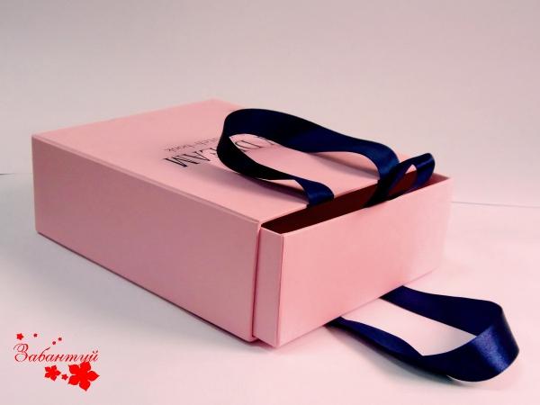 Выдвижная коробка с ручками