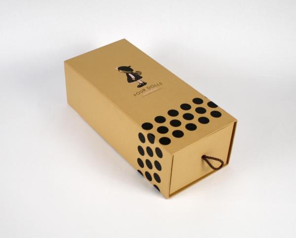 Выдвижная коробка для куклы