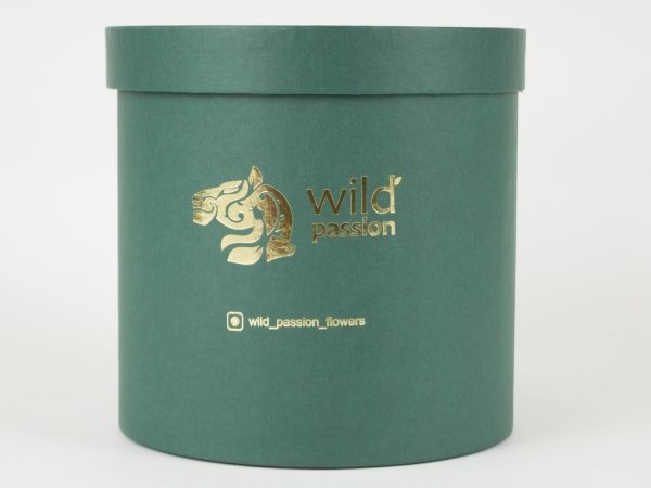 Круглые коробки для цветов wild passion