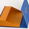 Коробка зі скошеним дном на магнітах