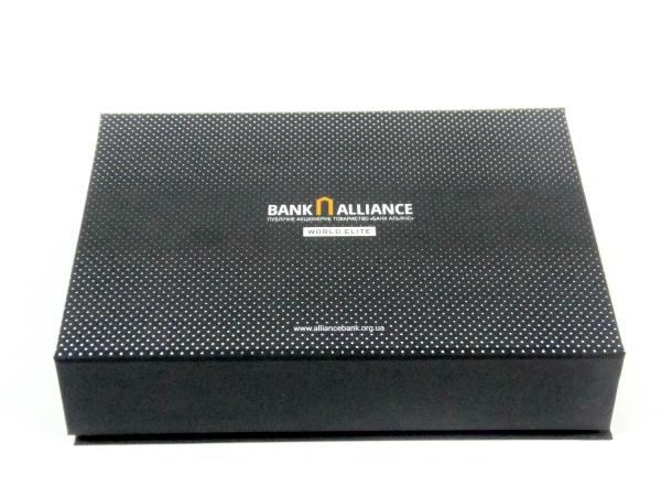 Коробка для банковской карты, флешки и ручки в футляре
