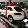 Красный бант на машину Макан. Диаметр 85 см