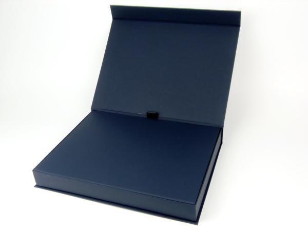 Коробка на магнитах для города Днипро