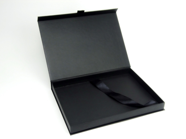 Коробка на магнитах для SCULPTOR LASH