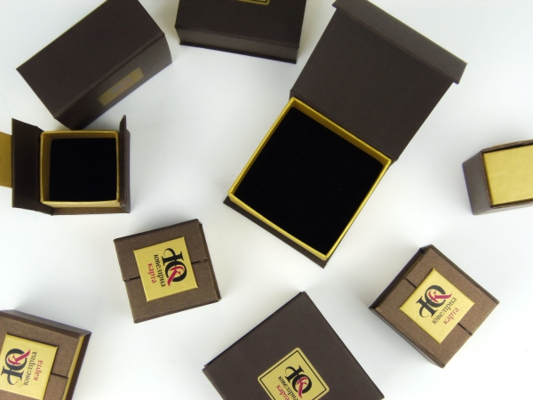 Коробки для ювелирных украшений для