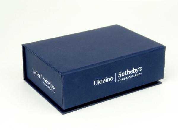 Подарочные коробки для Сотбис