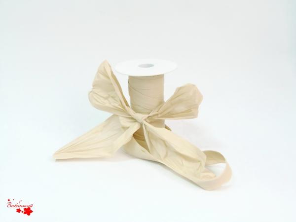 Лента декоративная матовая «мятый целлофан» бежевого холодного цвета, ширина 12 см. Цена за метр