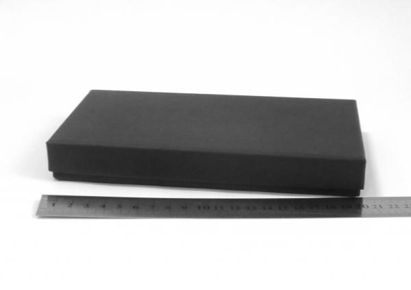 Размер 20*11*2,5 см Подарочная коробка. Плотный картон. Цвет черный.
