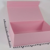 Розмір 40х25х15 см. Коробка з магнітним кріпленням. Колір рожевий