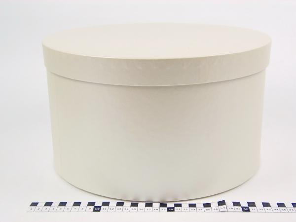 Диаметр 35 см, высота 20 см Круглая коробка. Цвет: бежевый