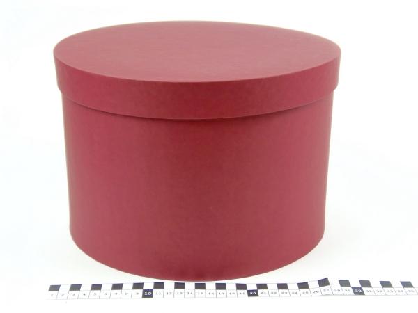 Диаметр 29 см, высота 20 см. Круглая коробка. Цвет бордовый