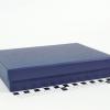 Розмір 22,5х16,5х4 см. Коробка зі з`ємною кришкою. Колір темно-синій