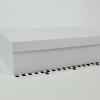 Розмір 36,4х23,1х10 см. Коробка зі з`ємною кришкою. Колір біілий