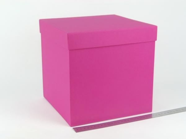 Размер 25х25х25 см. Коробка для подарка. Цвет малиновый