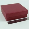 Размер 14х14х4 см. Коробка со съемной крышкой. Цвет бордовый