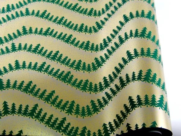 Рулон 70 см на 10 м. Новогодняя подарочная бумага. Дизайн: елки