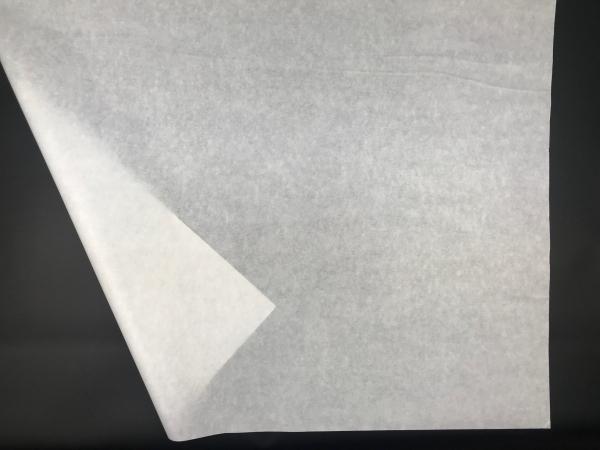 Метровая тишью плотность 20/22 г/м2. Размер 100х75см. Среднепрозрачная белая бумага. Код 05FO. Цена за 100 листов