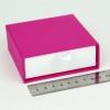 Размер 9х9х3 см Выдвижная коробка. Цвет малиновый, дно белое