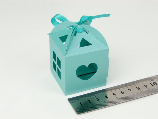 Цвет бирюзовый, размер 5х5х5см. Самосборная коробка в виде домика