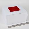 Размер 20х20х10 см. Коробка с магнитной застежкой. Цвет белый