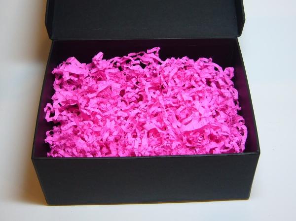 Наполнитель в подарочные коробки. Объем в распушенном виде 1,5 литра. Цвет: темно-розовый № 3