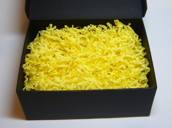 Наполнитель в подарочные коробки. Объем в распушенном виде 1,5 литра. Цвет: желтый №18