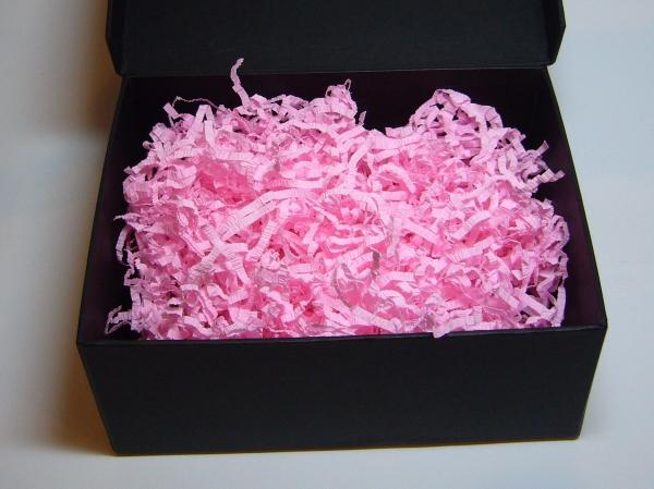 Наполнитель в подарочные коробки. Объем в распушенном виде 1,5 литра. Цвет: розовый №5