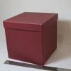 Розмір 20х20х20см. Коробка зі з`ємною кришкою. Колір бордо