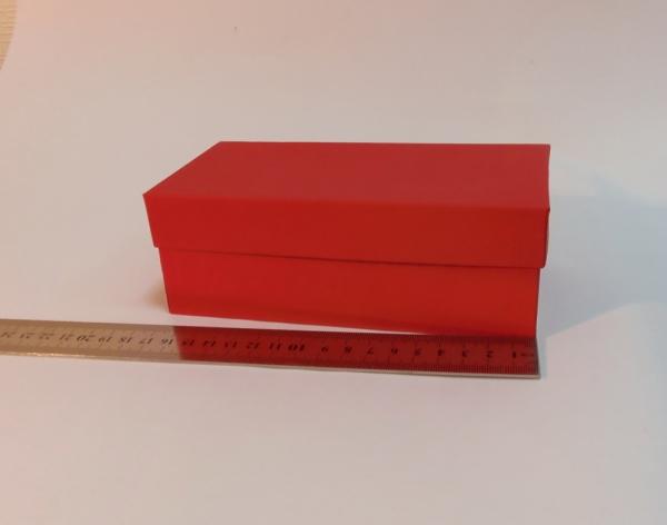 Коробка красная. Размер 17*8*6 см