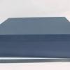 Розмір 45х35х10 см. Коробка зі з`ємною кришкою.Колір :темно-синій