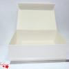 Розмір 45х32х14 см. Коробка з магнітним кріпленням. Колір бежевий